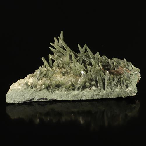 緑泥石(クローライト)入りガネッシュヒマール産ヒマラヤ水晶クラスター原石